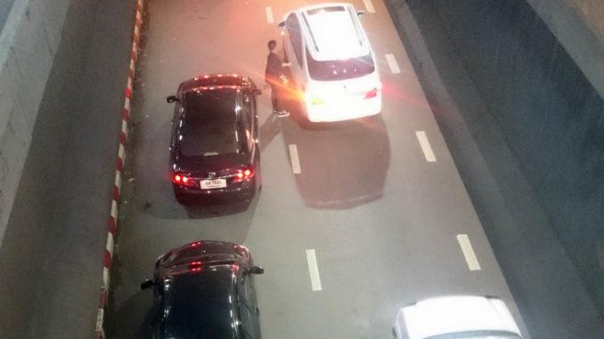 รถหยุดรับส่งบริเวณ ฺBTS หมอชิต
